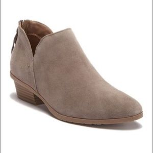 KENNETH COLE reaction side way suede ankle booties